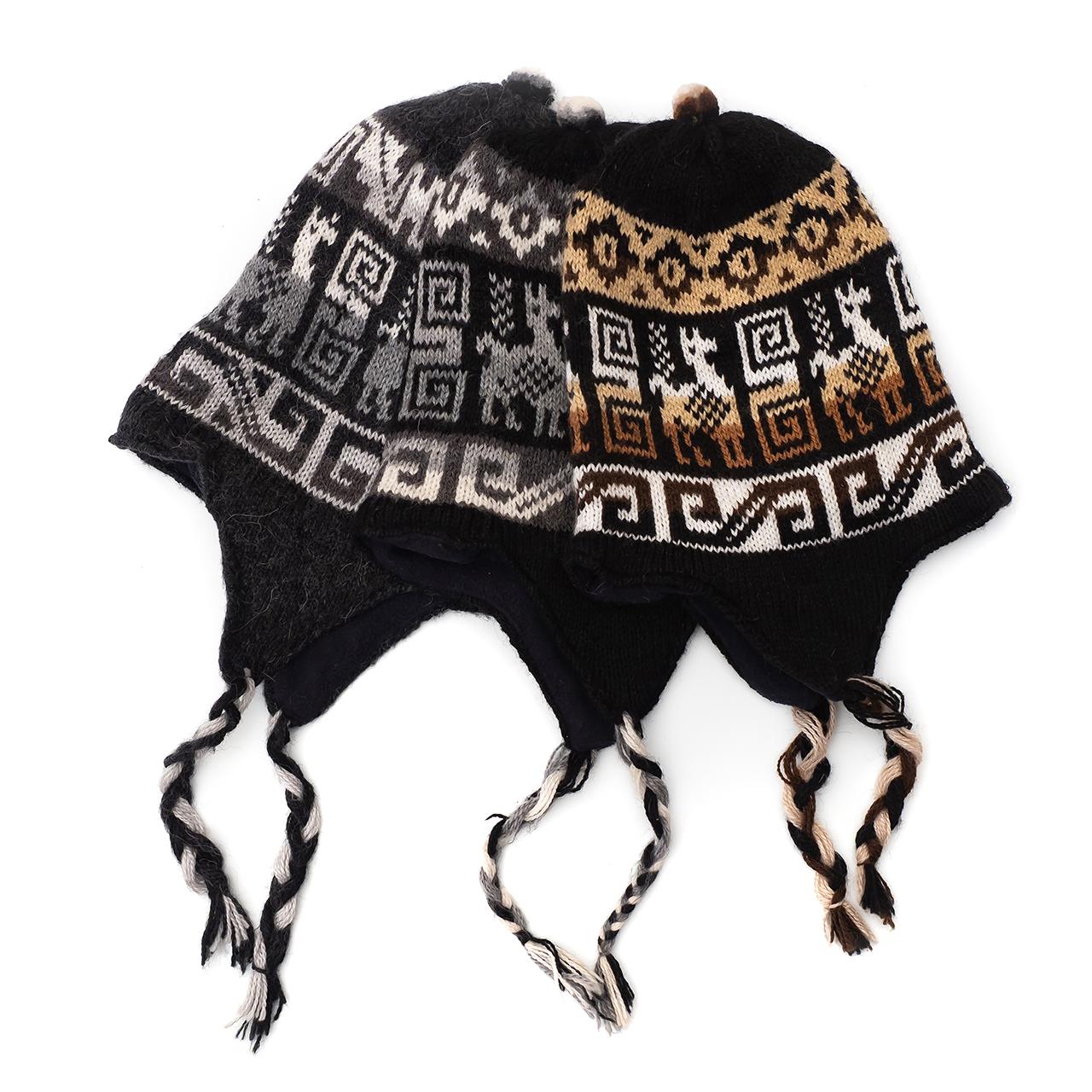 снимка на Зимна шапка Chullo в черната гама.