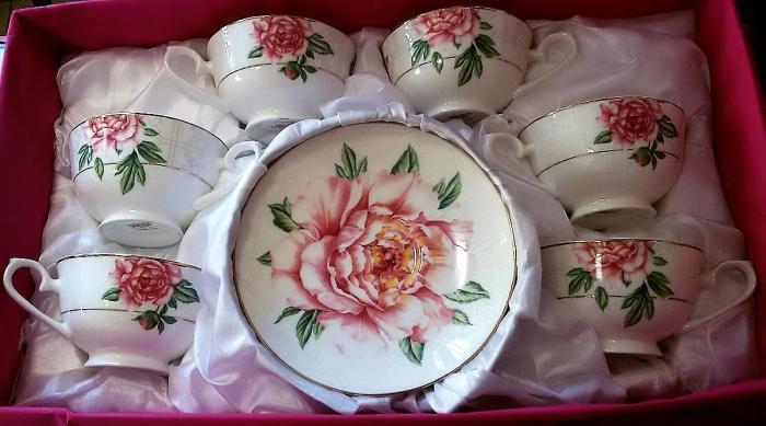 Комплект за кафе или чай с рози