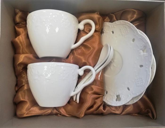 Бял комплект за кафе релефен порцелан