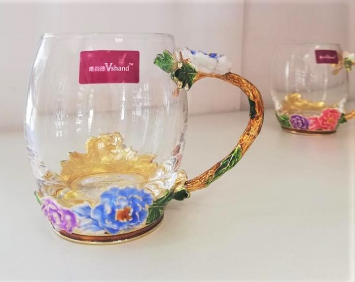 Eфектна чаша за топли и студени напитки