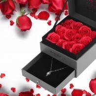 снимка на Кутия за бижу с рози