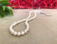 Розова гривна от естествени перли