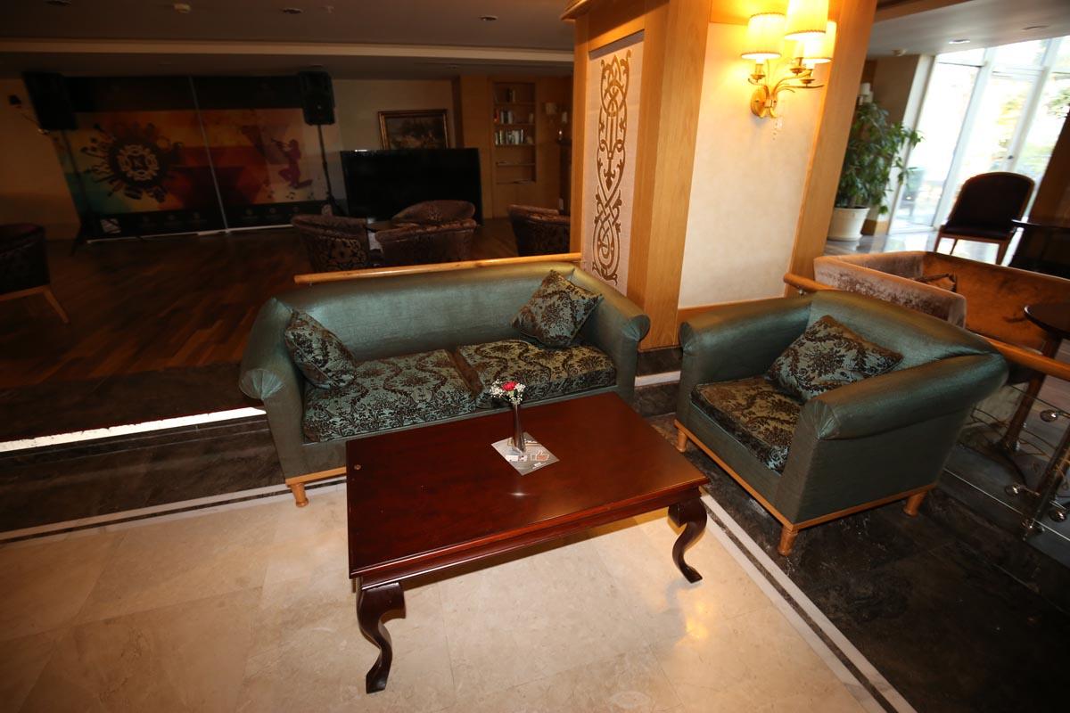 снимка на Стилен диван двойка в зелен цвят по поръчка