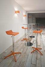 снимка на дизайнерски бар столове за дома и заведението