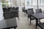 снимка на Вътрешна и външна ратанова мебел за тераса