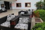 снимка на Ратанова мебелировка с перфектно качество за открито и закрито