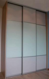 снимка на Гардероб с три врати бял лакобел и ПДЧ за детска