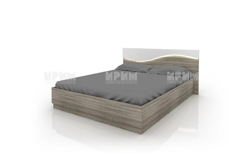 Легло с ракла и чекмеджета със скосена табла