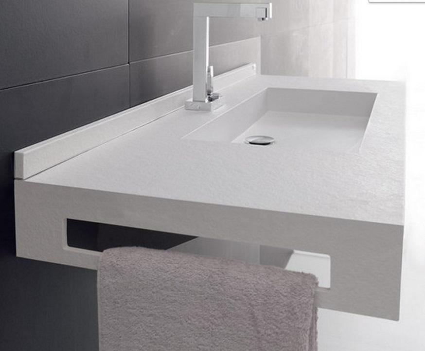 снимка на Бял гланц мивка за баня