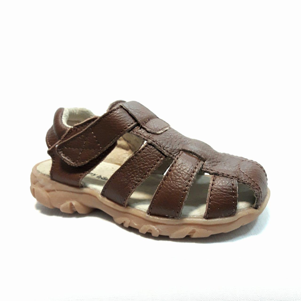 снимка на Кафяви бебешки кожени сандали.