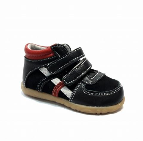 Черни бебешки кецове