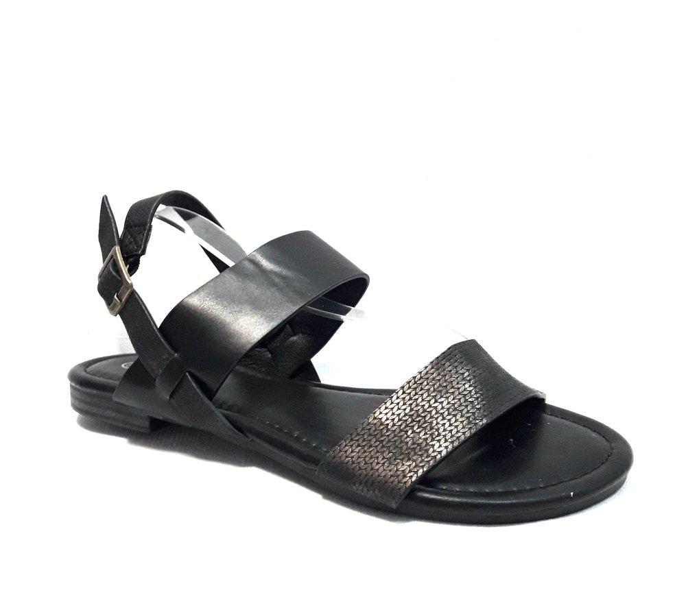 снимка на Кожени дамски сандали в черно.