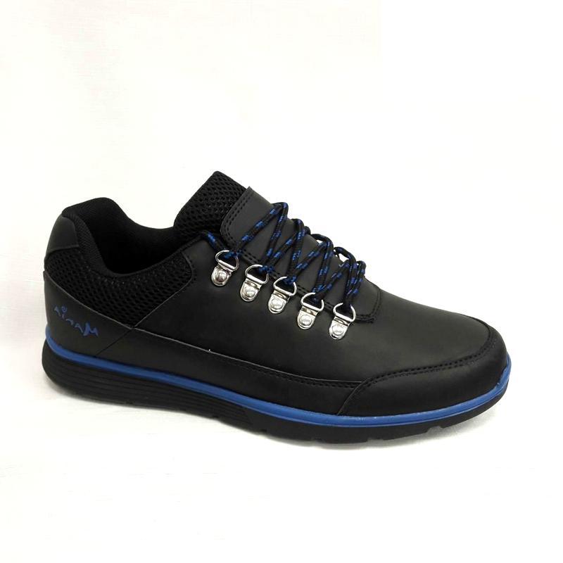 снимка на Черни мъжки спортни обувки.