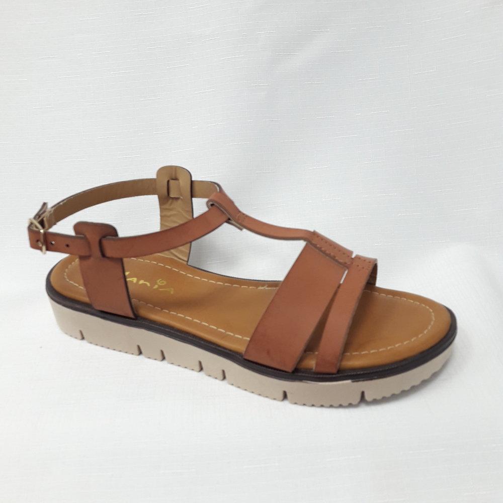 снимка на Кафяви дамски сандали от естествена кожа.
