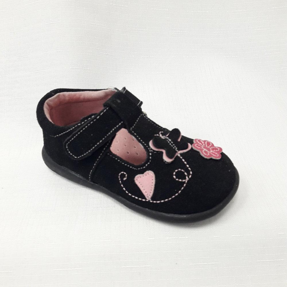 снимка на Черни бебешки обувки от естествен велур.