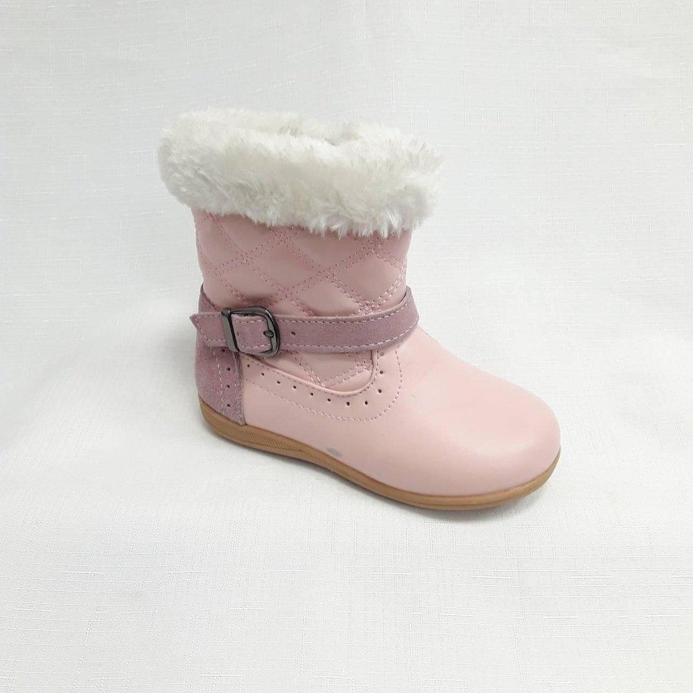 Розови бебешки боти.