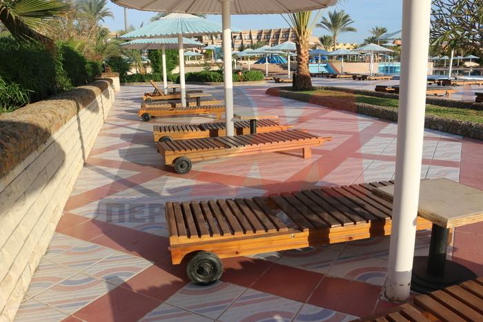 Букови дървени шезлонги поръчкова изработка