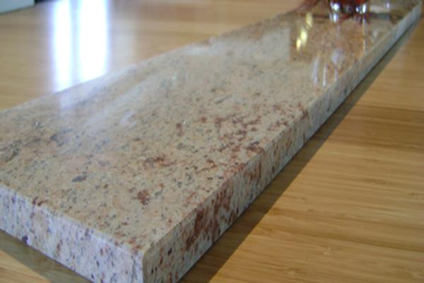 Подпрозоречен перваз от технически камък