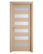 снимка на интериорна врата със стъкло по размер София