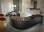 снимка на кухни извит плот с вградени мивки по поръчка