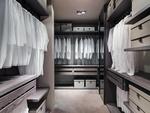 снимка на красиви луксозни гардеробни стаи